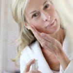 肌の乾燥は老化の兆候の一つ